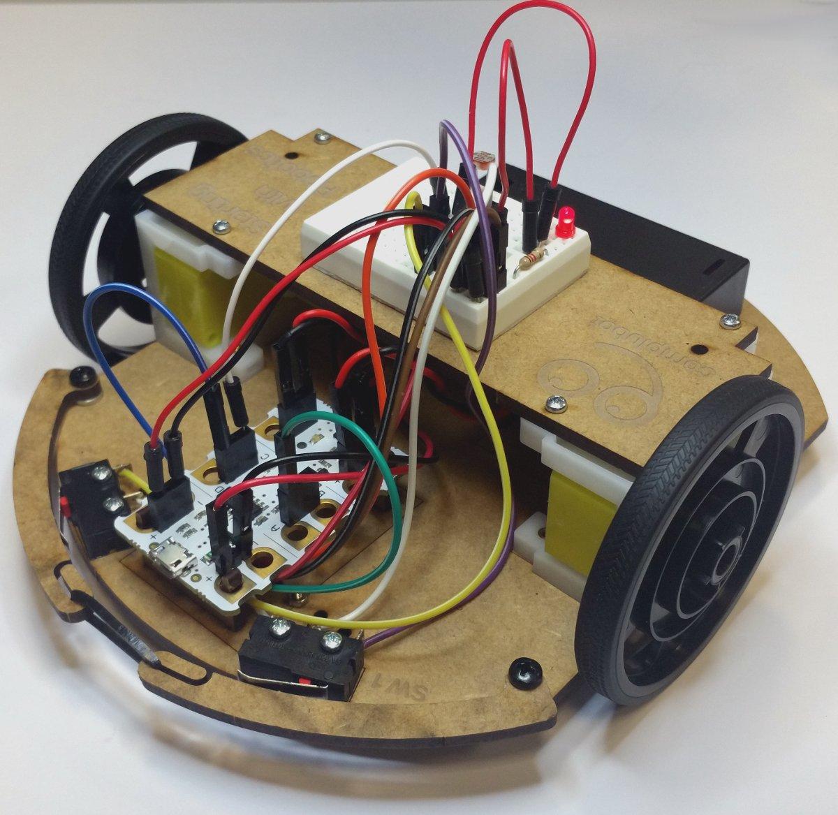 Montaje_Crumble_Robot_Uno_Plus_45